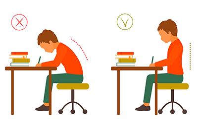 die ergonomische Ausstattung des Schreibtischs